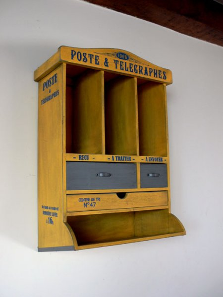 Meuble Courrier Poste jaune patiné, déco rétro, Natives