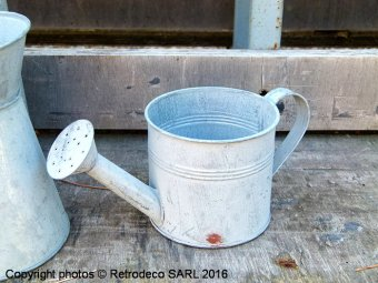 Zinc watering can Chartwell, countryside deco, Tobs