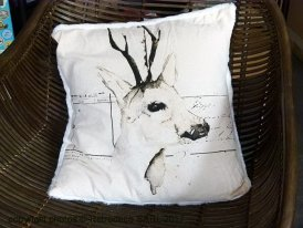 Cushion deer back in fake fur Athezza