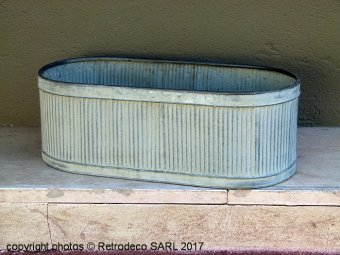 Medium oval ridged metal planter, countryside style, Tobs