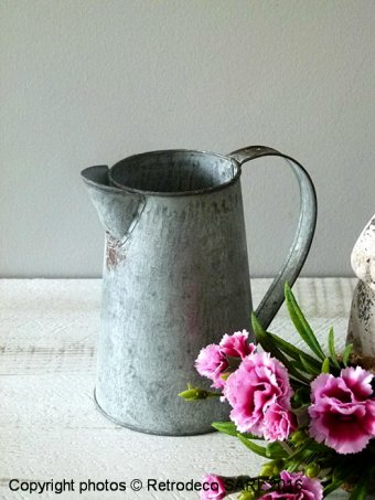 Medium zinc Jar Chartwell, countryside deco, Tobs