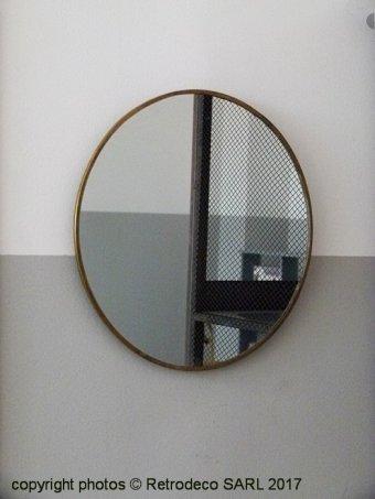Miroir rond bordure laiton suspendre ou poser madam for Miroir bordure doree
