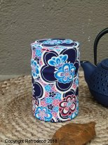 Small metal and washi paper tea box bleue