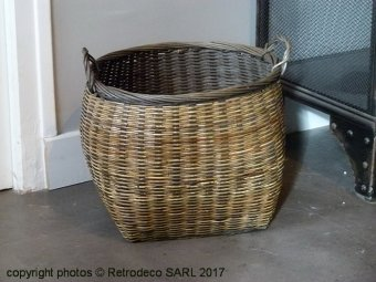 Small round rattan basket, natural style, Madam Stoltz