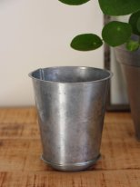 Zinc Pot Madam Stoltz