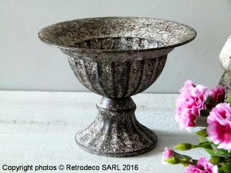 Small urn, Wide lip top edge, Tobs
