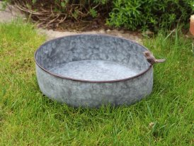 Medium zinc basin Cobblestone Bird, countryside decor, Krentz