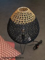 Tripod light in natural and black rattan Chehoma
