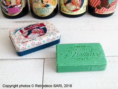 Soap ca sent le sapin in a metal box, gift idea, Natives