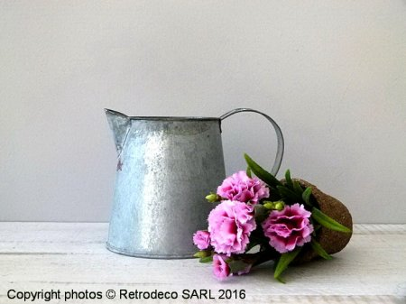 Small zinc Jar Chartwell, countryside deco, Tobs
