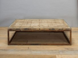 Rust metal and wooden low table Briquetterie Chehoma