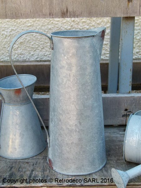 Large zinc Jar Chartwell, countryside deco, Tobs
