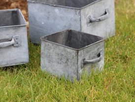 Small square zinc pot Magaluf country decor, Krentz