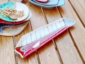 Ceramic long plate Comic red seaside decor, Chehoma