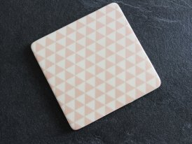 Ceramic trivet Pink Triangle Bloomingville