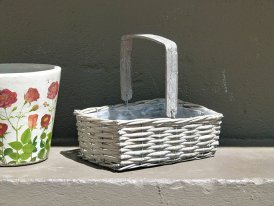 Medium rattan basket, countryside style