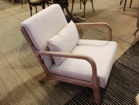 Unbleached fabric and hevea wood armchair Chassepierre Chehoma