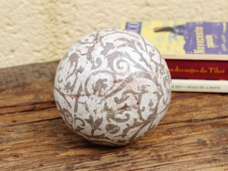 Large ceramic ball brown, cosy decor