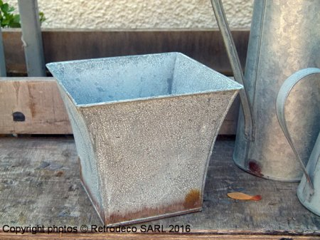 Large zinc planter, countryside deco, Tobs