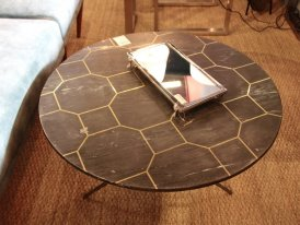 Brass and marble round low table Black bee Chehoma