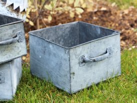 Large square zinc pot Magaluf country decor, Krentz
