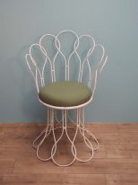 Outdoor metal chair Toscane with a lime cushion, shabby style