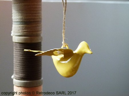 Metal bird to be suspended yellow, cosy style, Chehoma