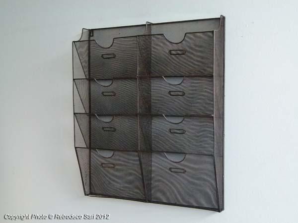 porte lettres grillage d co atelier chehoma 63811130. Black Bedroom Furniture Sets. Home Design Ideas