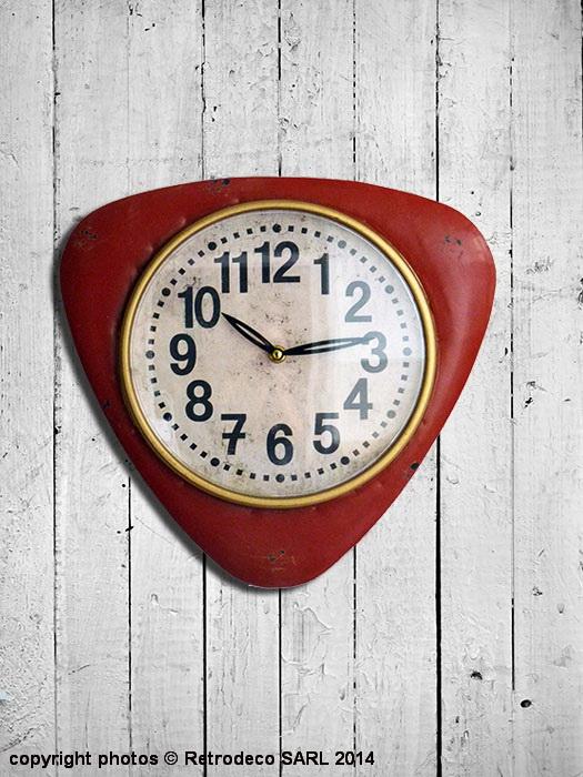Idee De Chambre Hippie : Horloge Cuisine Rouge  Horloge vintage triangulaire rouge d co