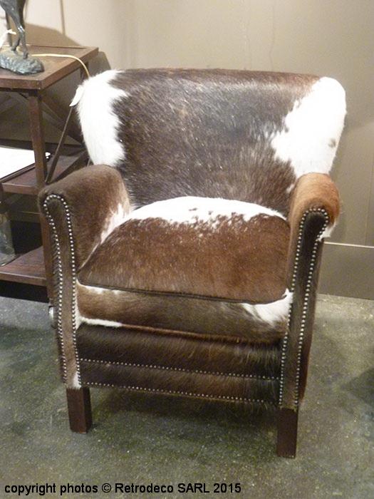 fauteuil turner peau de vache chehoma d co campagne 6897105v. Black Bedroom Furniture Sets. Home Design Ideas