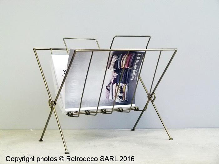 porte revues m tal patine cuivre d co scandinave madam stoltz 16212ac. Black Bedroom Furniture Sets. Home Design Ideas